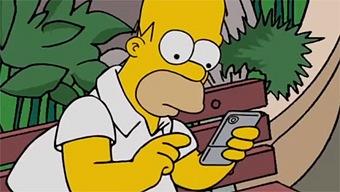 Hasta el mismísimo Homer Simpson juega a Pokémon Go
