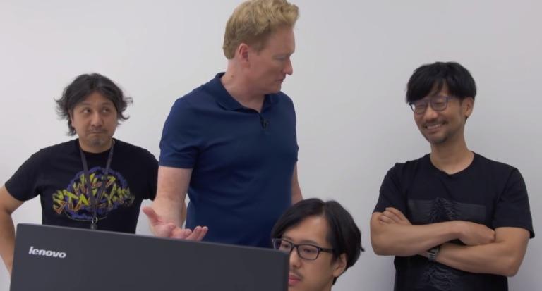 Kenichiro Imaizumi durante la visita de Conan O'Brien a Kojima Productions.