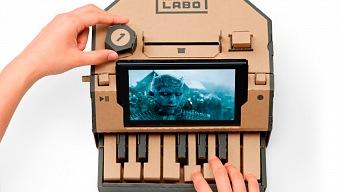 El compositor de Juego de Tronos toca el tema con el piano de Labo