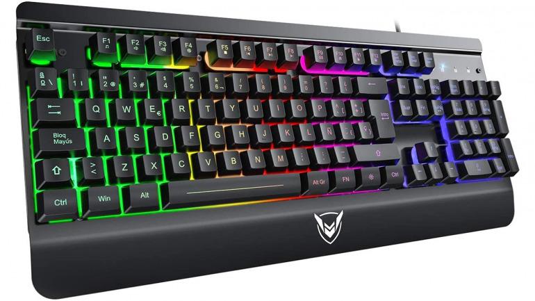Nuestros teclados favoritos para jugar este 2020 por menos de 100 euros