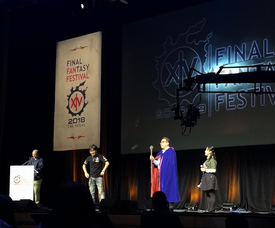 Naoki Yoshida Productor y Director de Final Fantasy XIV Online y Yosuke Matsuda Presidente y CEO de Square Enix personificando al Blue Mage que llegará muy pronto al juego