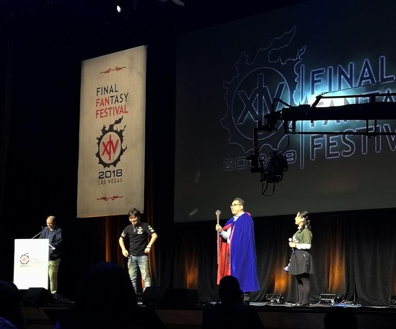 Naoki Yoshida, Productor y Director de Final Fantasy XIV Online y Yosuke Matsuda, Presidente y CEO de Square Enix, personificando al Blue Mage que llegará muy pronto al juego.